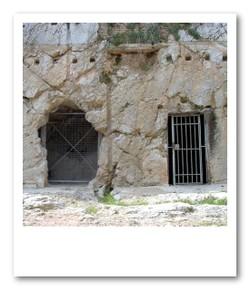 ソクラテスが捕らえられていたといわれる牢獄