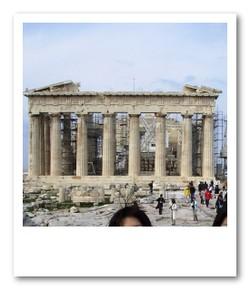 裏側から見たパルテノン神殿(オリンピックを前にただいま修復中)