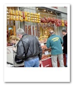 中央市場の肉屋さん