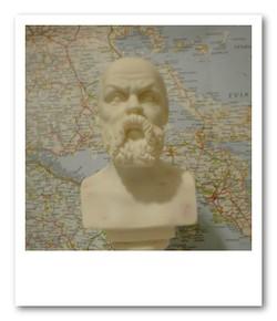 ソクラテス石像