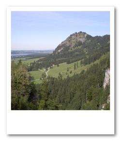 ノイシュバンシュタイン城から城下を見下ろす